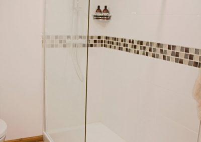 Le Chai shower 1