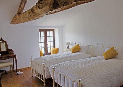 Le Chai twin bedroom