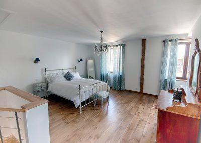 Le Pressoir bedroom